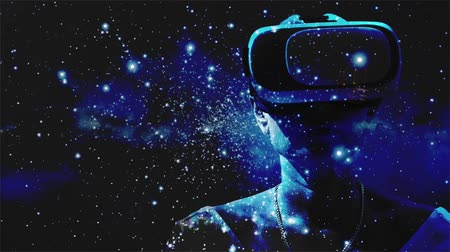 realidade : Woman using virtual reality glasses with graphics effects Vídeos