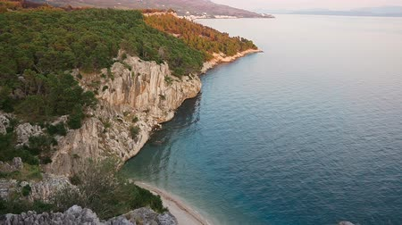 albanie : Beautiful view from the cliff mountains on the Adriatic Sea. Croatia