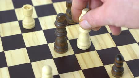 ладья : move in a chess game