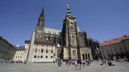 city park : time lapse. Tourists at the St. Vitus cathedral in Prague, Czech Republic