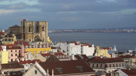 lizbona : Alfama district in Lisbon