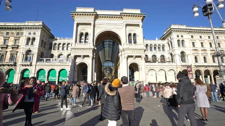 a view of the people walking during Christmas holidays in Vittorio Emanuele II gallery in Milan Wideo