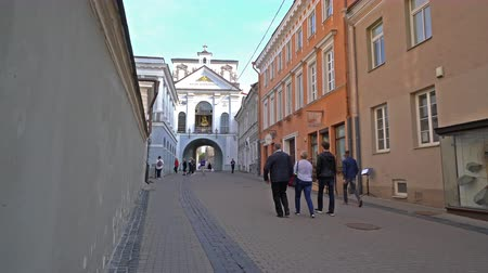 hacı : Vilnius, Lithuania. May 2019. A view of the Gate of the Aurora Stok Video