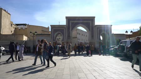 local de interesse : Fez, Morocco. November 9, 2019. people walking on the Place Rcif on an autumn day