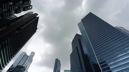 набережная : Singapore. January 2020. A panoramic view from below of the skyscrapers in Marina Bay at sunset