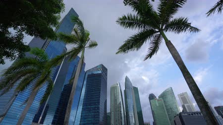 チラシ : Singapore. January 2020. A panoramic view of the skyscrapers in Marina Bay at sunset