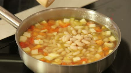 kavurma : Cooking soup with beans and vegetables