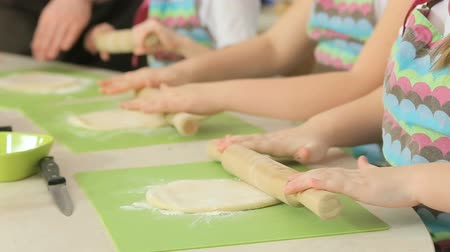 houska : Kids work with dough