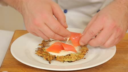 nalesniki : Serving potato pancake with salmon and cheese Wideo