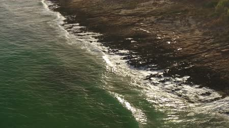 portugalsko : Aerial. Waves filmed from the sky in slow motion.
