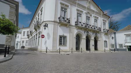 arco : Faro Town Hall 10 June 2018: Historic streets of the old town of Faro. Portugal. Stock Footage