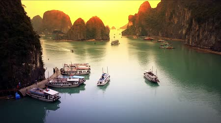 destinace : Halong Bay in Vietnam near Hanoi city. Famous tourist travel destination HD video footage Dostupné videozáznamy