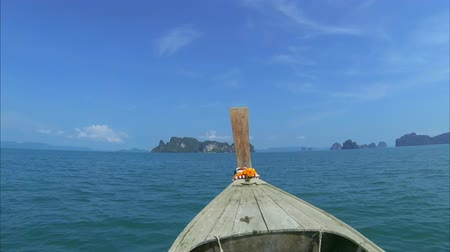 Пхукет : Traveling by traditional wooden boat in Thailand, Phuket, Krabi