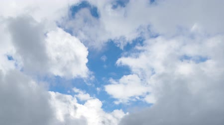 nuvens : white clouds on blue sky timelapse