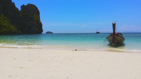 Пхукет : Exotic sandy beach of tropical island and boat near Phuket, Thailand Стоковые видеозаписи