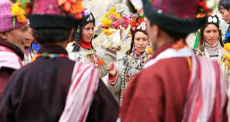 zelândia : Ladakh ethnic ceremony and dance of local minority people of Dha Hanu village