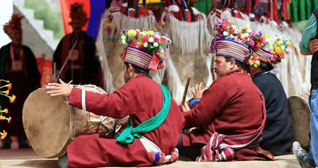 zelândia : Traditional festival and cultural event in Ladakh, India. Local people dance and play music