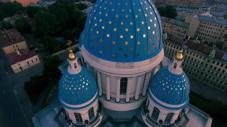 святой : Troitskiy cathedral aerial view 2 Стоковые видеозаписи