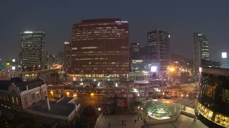 marmeláda : Seoul City Seoul Station Bus Terminal - Zooming time lapse of traffic and architecture in downtown Seoul, Korea. Dostupné videozáznamy