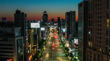 budynki : Seoul City Broody Sunset Dusk - Zooming and static time lapse of dusk over the city. Wideo