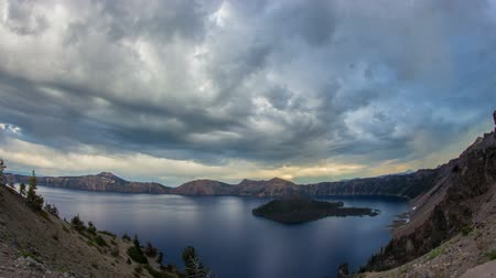 barışçı : Time lapse of crater lake in oregon during a thunder storm