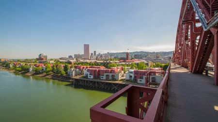 zábradlí : Time lapse of the broadway bridge and downtown portland.