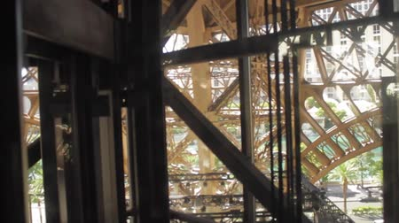 paříž : Inside of elevator  in exterior as it goes down at the Eiffel Tower at Paris Hotel in Las Vegas Dostupné videozáznamy