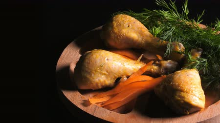 пюре : Budget of Chicken Meal on a Wooden Plate