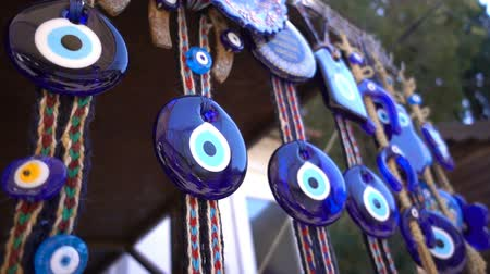 artigos de vidro : Colorful Evil Eye Bead Amulet