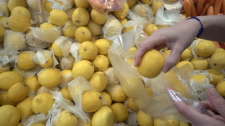 grocery store : Adding Lemon to Nylon Pochette