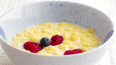 flocos de milho : Add breakfast in bowl