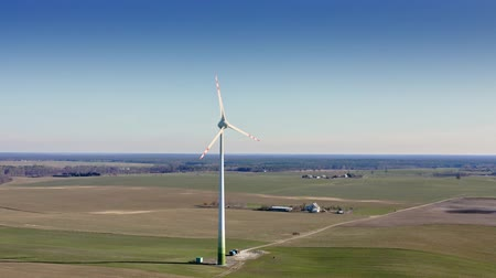 carvão gigante : Wind turbine on field in sunny day, aerial view