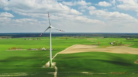 carvão gigante : Aerial view of white wind turbines in Poland