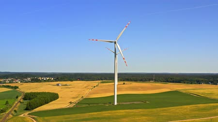 carvão gigante : Wind turbines on field, aerial view in Poland