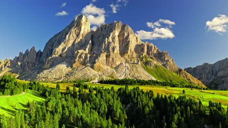 cume : Majestic view of Passo delle Erbe in Dolomites, aerial view