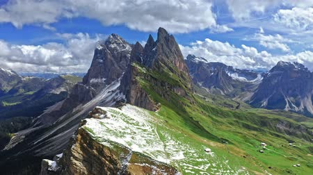 tirol : Aerial view of Seceda peak in South Tyrol, Dolomites Stockvideo