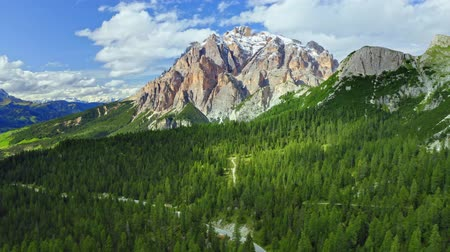 dolomiti : Passo Falazarego in Dolomites, view from above