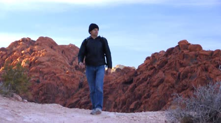 cold desert : Rugged mountain hike Stock Footage