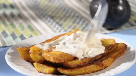 Fried bananas with cream and cheese Stok Video