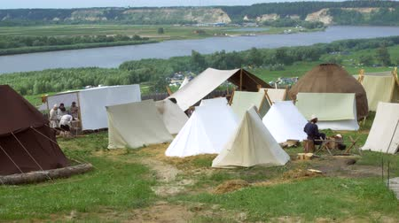 sivil : Life of medieval immigrants, historical reconstruction Stok Video