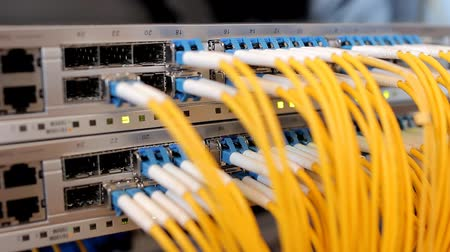 comutar : Telecommunication equipment of network cables in a datacenter of mobile operator