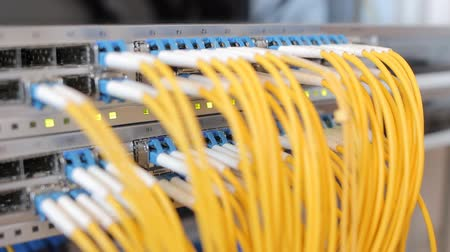 поставщик : Telecommunication equipment of network cables in a datacenter of mobile operator