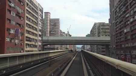 Taipei metro station system. Taipei cityscape, view from the MRT Wenhu line compartment ( time-lapse ) Стоковые видеозаписи