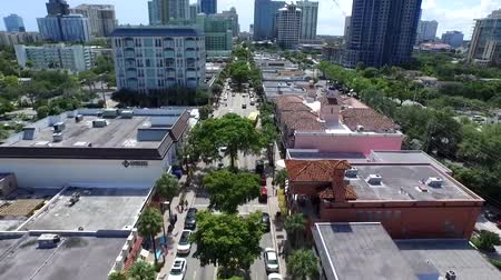 bird's eye view : Beautiful aerial 4k drone view on calm street road in downtown modern architecture tall buildings of Florida cityscape Stock Footage