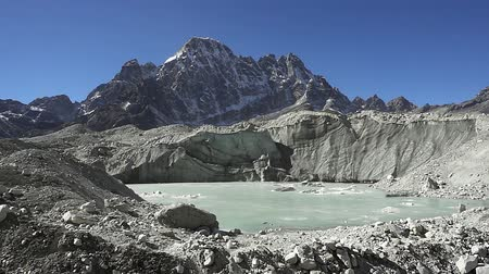 icefall : Panoramic view of mountains in Himalayas, Nepal, on the hiking trail leading to the Everest base camp.