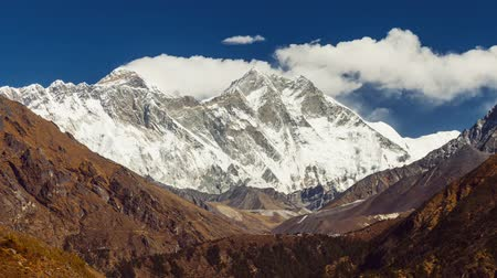 himalaia : view of Everest on the way to Everest Base Camp - Nepal