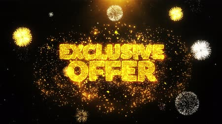 promocional : Exclusive Offer Text Sparks Particles Reveal from Golden Firework Display explosion 4K. Greeting card, Celebration, Party Invitation, calendar, Gift, Events, Message, Holiday, Wishes Festival .