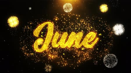 juni : June Text Sparks Particles Reveal from Golden Firework Display-explosie 4K. Wenskaart, viering, uitnodiging voor feest, kalender, cadeau, evenementen, bericht, vakantie, wensen Festival. Stockvideo