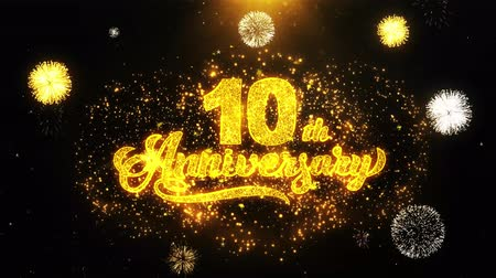 bóia : 10th Happy Anniversary Text Sparks Particles Reveal from Golden Firework Display explosion 4K. Greeting card, Celebration, Party Invitation, calendar, Gift, Events, Message, Holiday, Wishes Festival