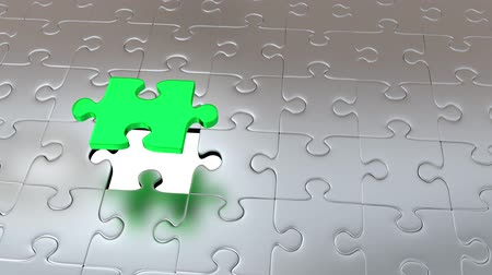 propagação : Zooming on One Green Piece Puzzle which escape from many Gray Pieces